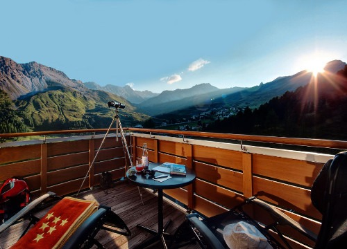 Terrase with Mountain View